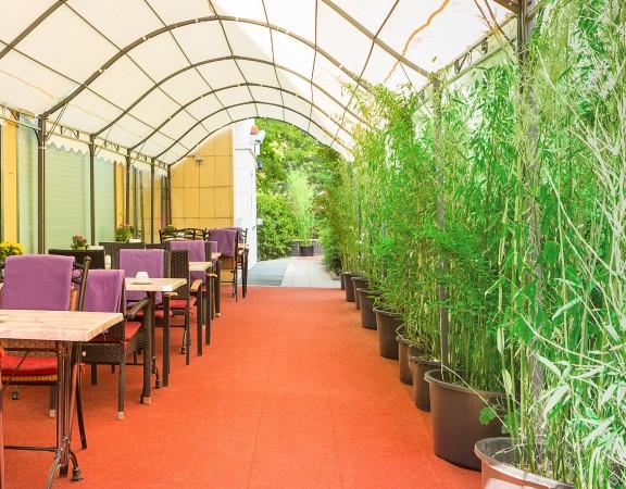 Alecsa Hotel am Olympiastadion - terrace 2