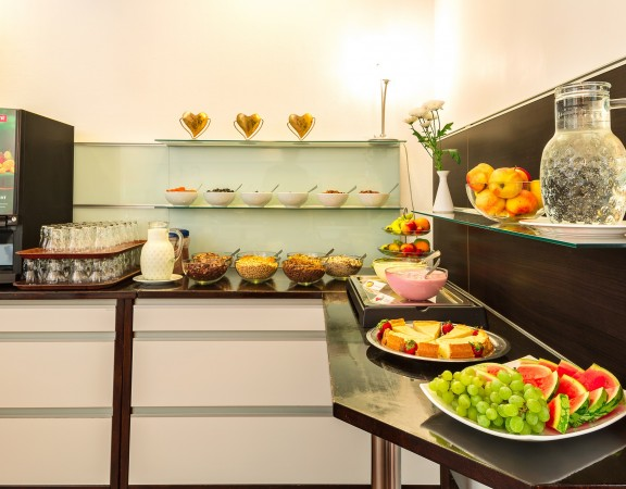 Alecsa Hotel am Olympiastadion - breakfast 6